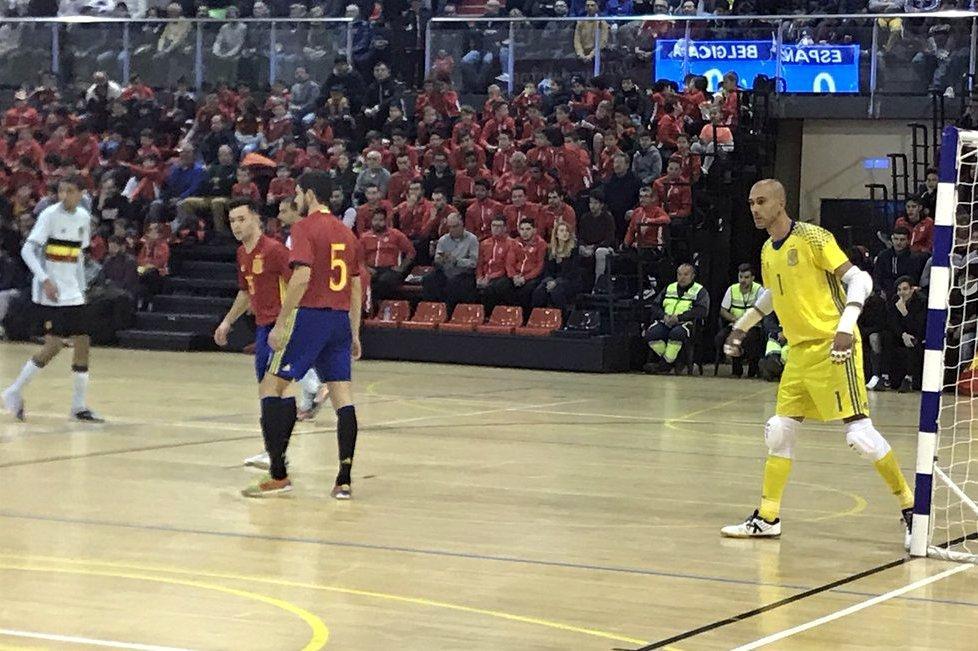 Rafa es homenajeado en la victoria de España
