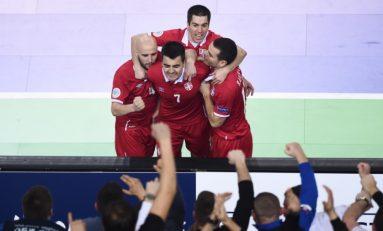 EURO | Grupo A | Italia tampoco pudo con Serbia